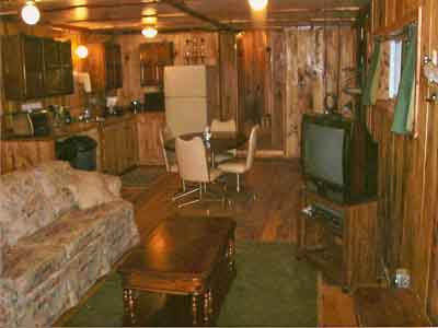 Minnesota Outfitter Ten Point Lodge LLC Living Area of Quail Shed, deer hunting outfitter packages, archery huntiing, muzzle loader hunting available